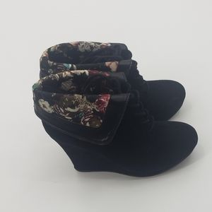 Qupid black lace up floral design wedge booties